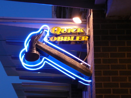 Neon Projecting Sign - Quick Cobbler